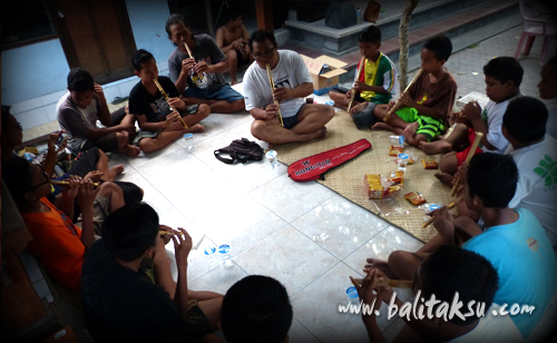 Seka Gong Suling Kawi Swara Banjar Kalah Peliatan