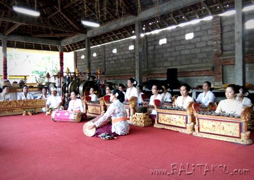 オダラン グヌン・サリ寺院祭::プリアタン村: 2017年1月