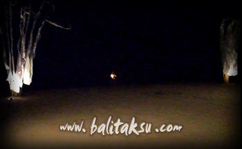 フルム-ン・パフォーマンス contemporary dance mayumi inouye and made putra wijaya at amanusa private beach on full moon 2012 満月に砂浜で踊る