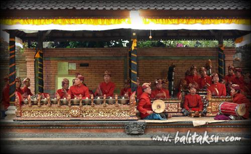 Seka Gong Lanang Banjar Kalah, Gurnita Sari グルニタ・サリ楽団