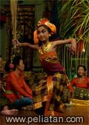Tari Nyampat Dance