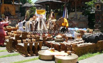 Tumpek Landep Upacara di Bali