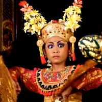 Tirta Sari, Condong Dance Debut, わが子が(笑)ティルタ・サリでチョンドン・デビュー!うちの生徒がなんと、定期公演でチョンドンを踊りました。