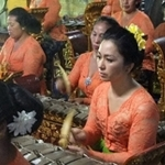 Seka Gong Wanita Gurnita Sekar Sari Br.Kalah Peliatan Ubud (female group)