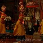 ペンデット舞踊 pendet